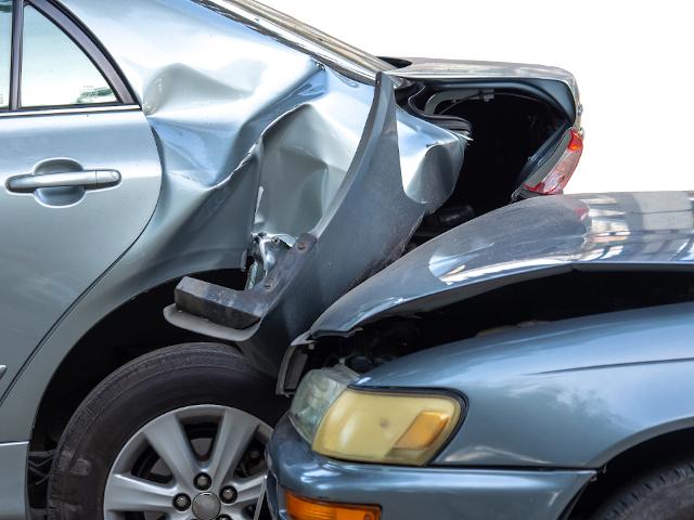 Colisión por alcance entre dos coches